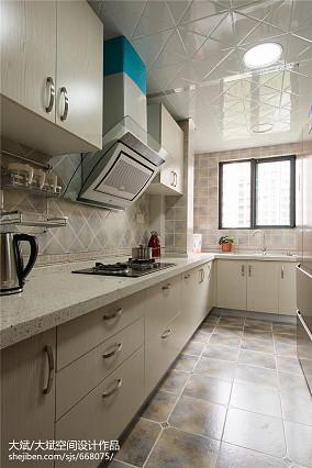 中式风格厨房吊顶装修效果图