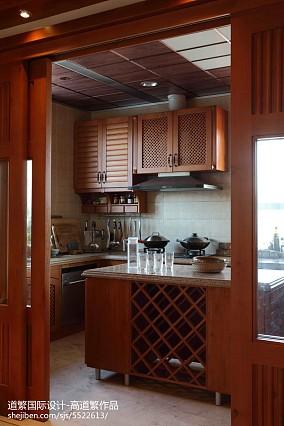 精美别墅厨房东南亚装饰图