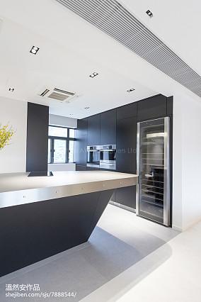 2020三居厨房现代装修效果图片欣