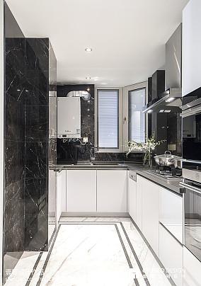 敞亮现代风格厨房设计图