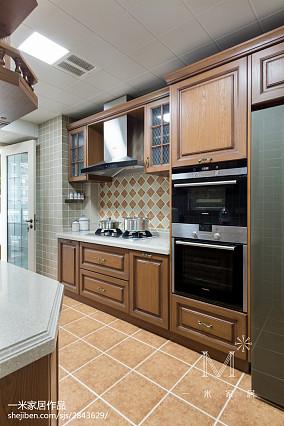 轻奢141平美式四居厨房布置图