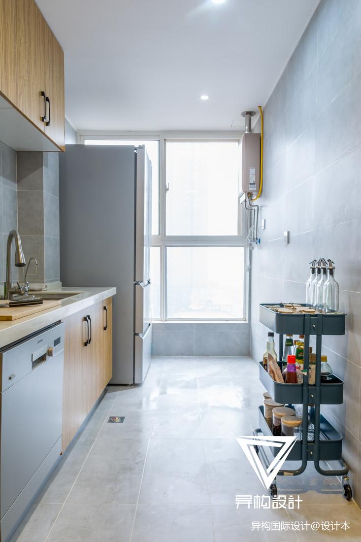 日式三居101-120m²厨房展示