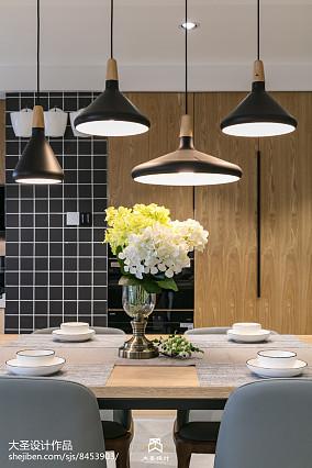 2021精选103平方三居客厅北欧装修