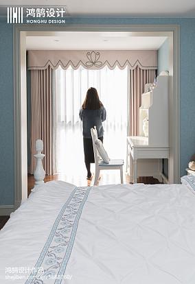 精美95平女生美式三居卧室装修效