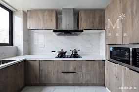大气77平现代三居客厅设计