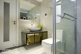 热门111平米四居卫生间现代装修设