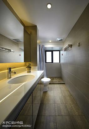 热门137平米混搭别墅卫生间装修实