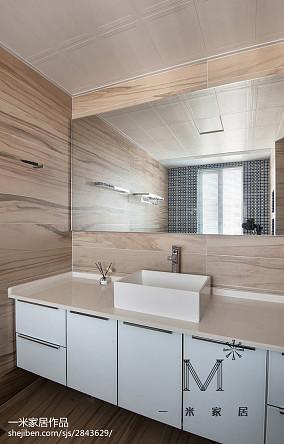 大气124平现代三居装修装饰图