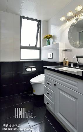 面积102平现代三居卫生间装修图片