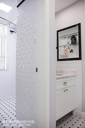 热门二居卫生间装修设计效果图片