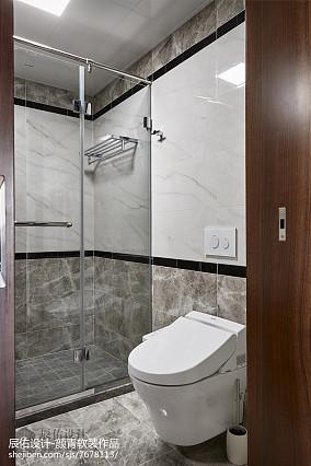 现代风格三居卫浴设计图片