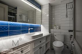 面积90平美式三居卫生间实景图