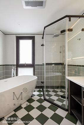 三居卫生间美式装饰图