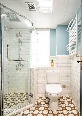 热门109平米三居卫生间美式欣赏图