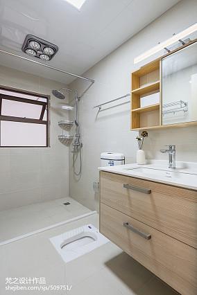 热门94平米三居卫生间中式装修效