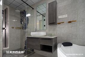 精选现代三居卫生间装修效果图片
