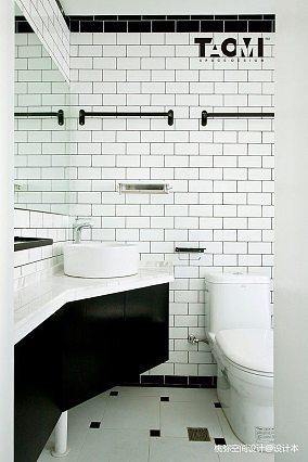 精美面积91平北欧三居卫生间装修