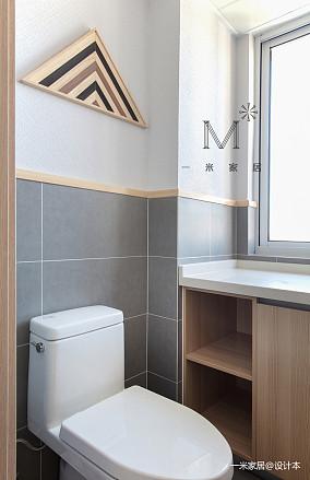明亮60平日式二居卫生间装修美图
