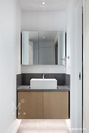华丽75平现代三居卫生间装修设计