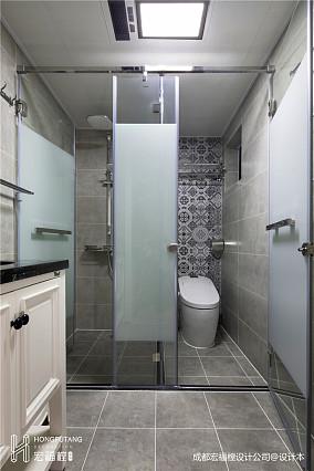 悠雅105平美式三居卫生间装潢图