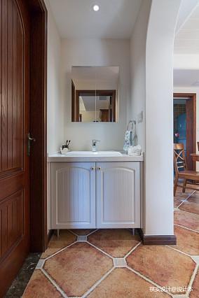 精美135平美式四居卫生间实景图片