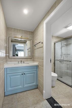 华丽101平现代四居卫生间装修设计