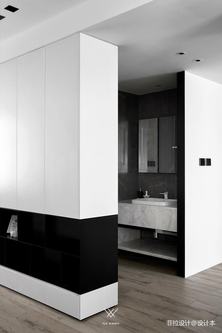 现代简约四居及以上151-200m²卫生间展示
