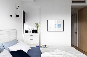 悠雅74平现代二居卧室设计效果图