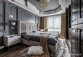 悠雅111平混搭三居卧室装修图