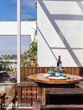 优雅60平简约复式阳台布置图