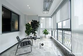 明亮118平现代四居阳台装修设计图