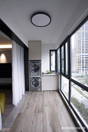明亮128平现代三居阳台装修美图